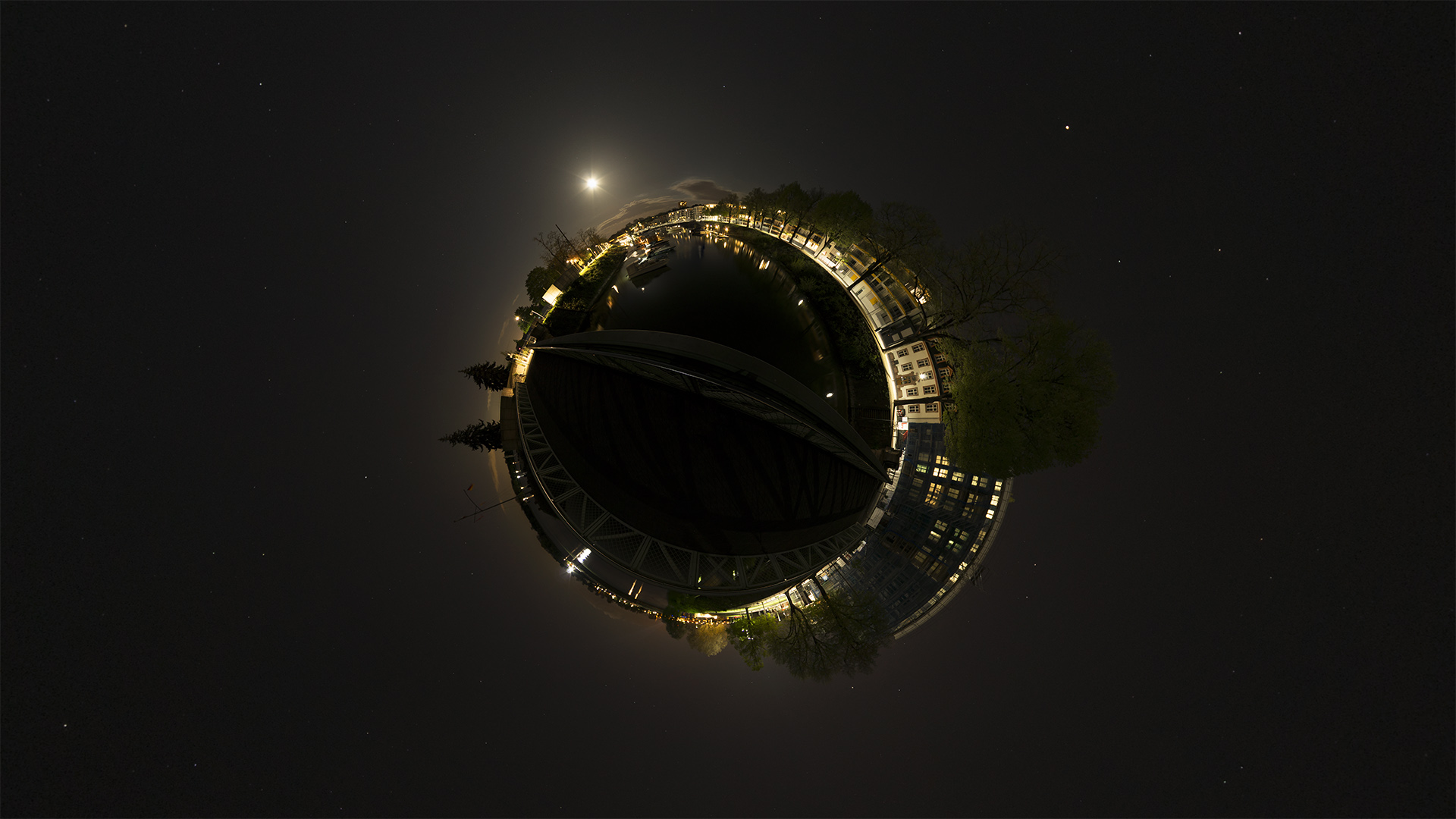 360° Fotografie als little planet - Winterhafen in Mainz fotografiert nachts