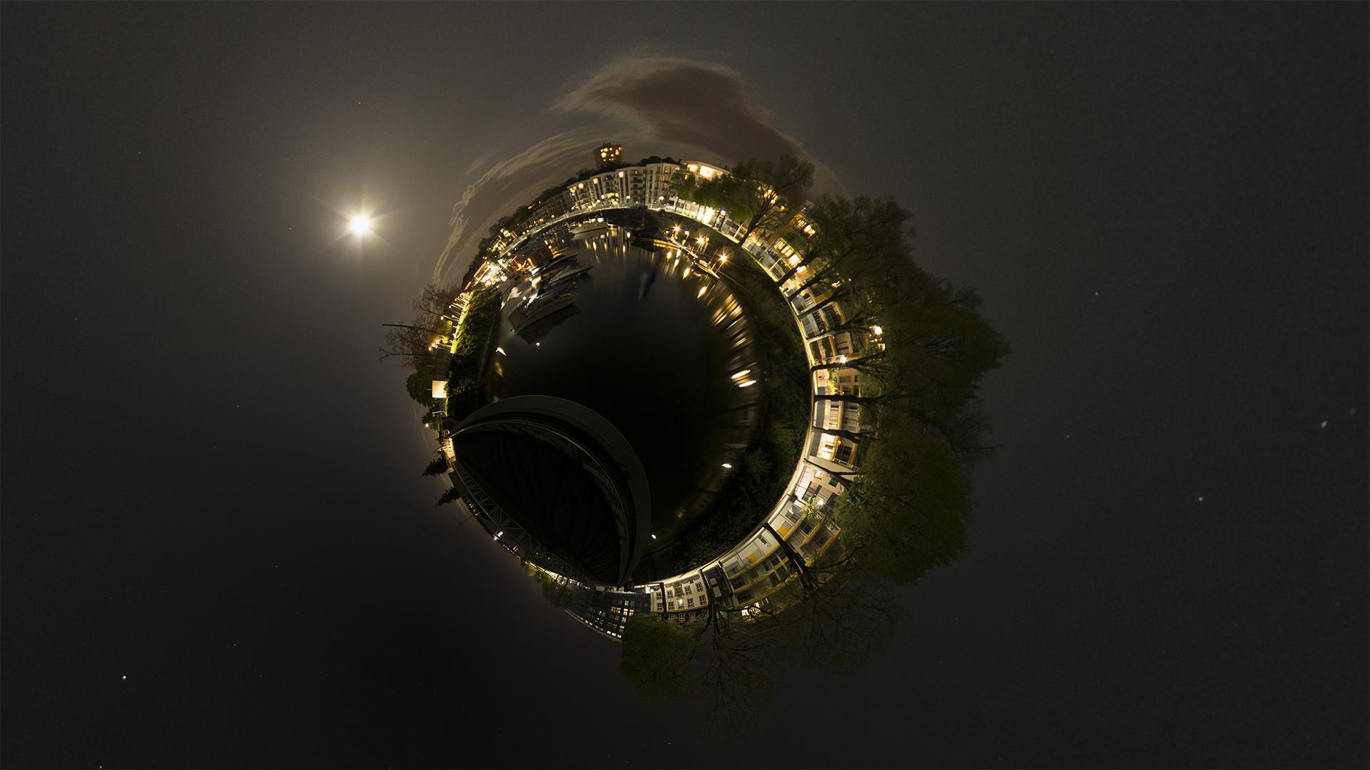 360° Bild vom Winterhafen in Mainz